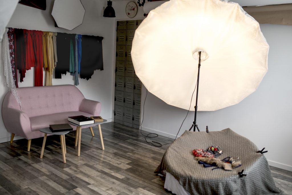 Photo du studio avec éclairage